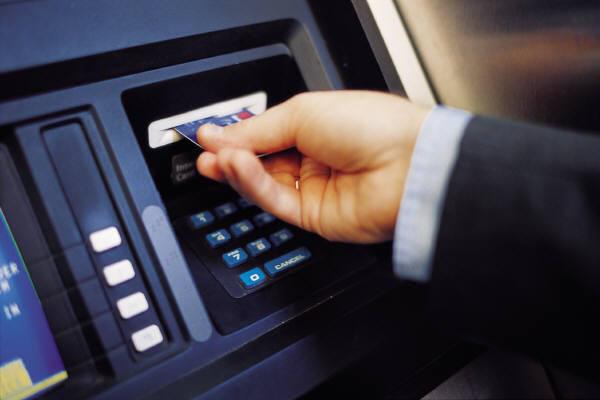 Chuyển tiền nhầm tài khoản: không trả lại bị coi là vi phạm hình sự - Ảnh 1.