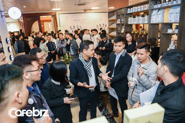 E-Coffee đang giúp Trung Nguyên từng bước lấy lại ngôi vị bá chủ chuỗi: Tốc độ đăng ký mở mới 10 cửa hàng/ngày, nhắm mốc 3.000 điểm bán trong năm tới, đã ký hợp đồng với đối tác tại Mỹ và Úc