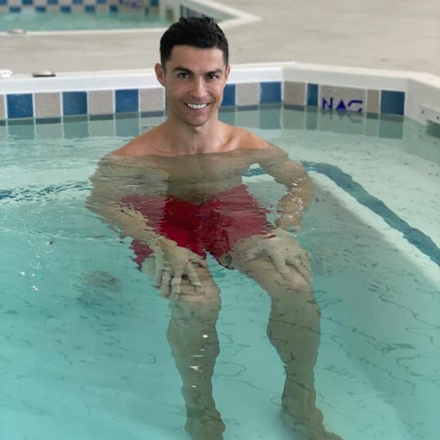 Ronaldo hé lộ phương pháp tập luyện đặc biệt giúp anh sở hữu thể hình sắt đá ở tuổi 34 - Ảnh 1.