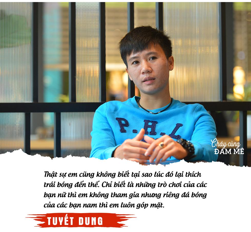"""Tuyết Dung - cô gái """"vàng"""" ôm giấc mơ World Cup của tuyển nữ Việt Nam: """"Đã lên sân là chiến đấu quên mình rồi!"""" - Ảnh 3."""