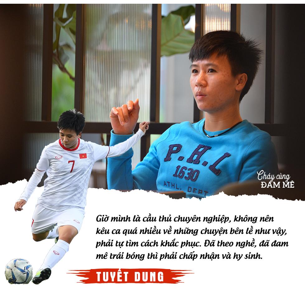 """Tuyết Dung - cô gái """"vàng"""" ôm giấc mơ World Cup của tuyển nữ Việt Nam: """"Đã lên sân là chiến đấu quên mình rồi!"""" - Ảnh 9."""