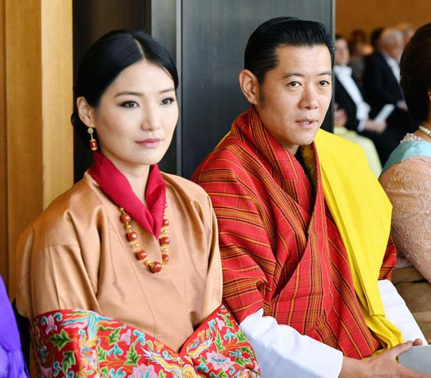 Năm 2019 lên hương của Hoàng hậu Bhutan khiến cộng đồng mạng thế giới phải chao đảo - Ảnh 2.