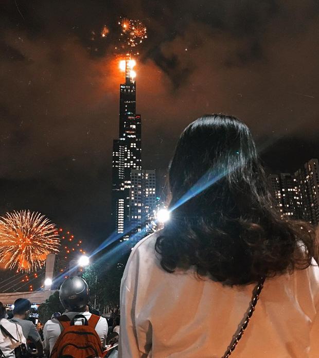Ghim ngay 6 địa điểm ngắm pháo hoa đẹp nhất Sài Gòn dịp Tết Dương lịch 2020, lập hội đi countdown đón năm mới liền thôi! - Ảnh 3.