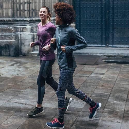 Chạy bộ 1 giờ tinh thần hưng phấn, sau 1 tháng giảm căng thẳng, 1 năm sức bền tăng, cuộc sống thay đổi: Thì ra đó là lí do nhiều người nghiện môn thể thao này đến vậy - Ảnh 1.