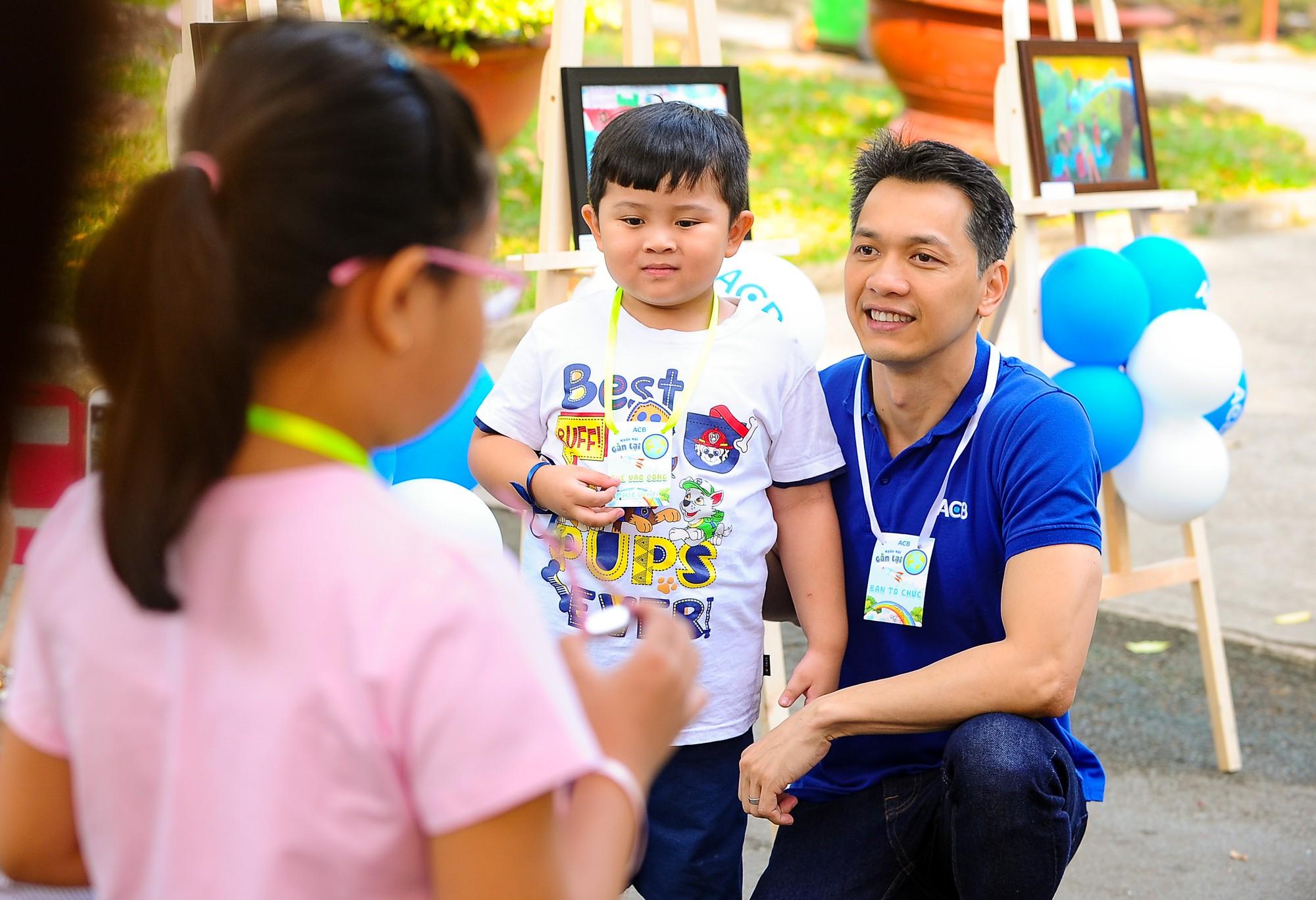 Chủ tịch HĐQT ACB Trần Hùng Huy: Mình không biết nhảy, không biết hát nhưng có thể học và không sợ quê! - Ảnh 14.