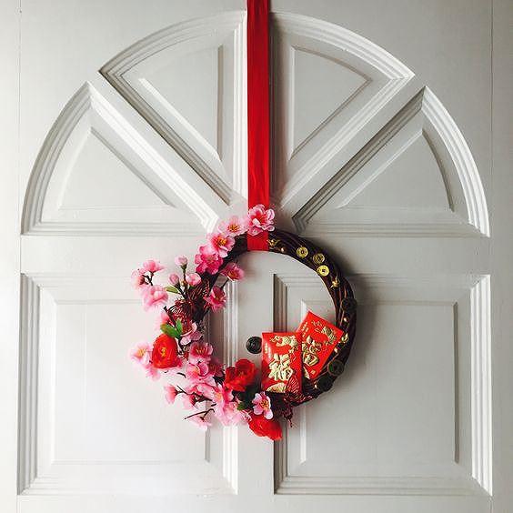 Trang trí nhà cửa đón Tết đơn giản mà vẫn 'đẹp rụng rời' - Ảnh 1.