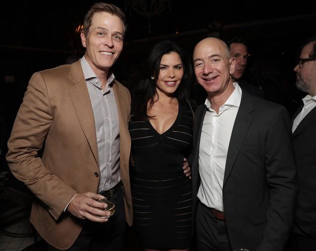 Tình yêu kiểu tỷ phú: Jeff Bezos yêu vợ bạn thân, Warren Buffett yêu bạn thân của vợ và 2 cái kết hoàn toàn đối lập - Ảnh 2.