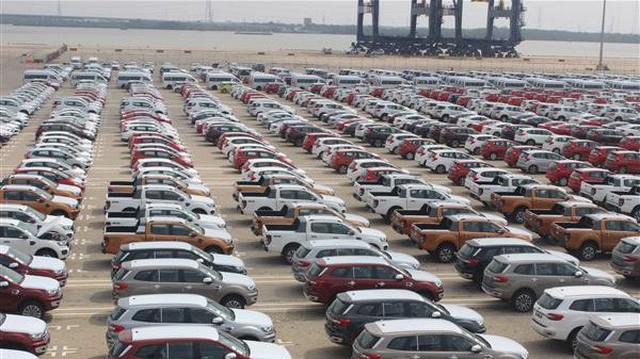 Hơn 1.500 ô tô thông quan vào TP.HCM trong tuần làm việc đầu tiên sau Tết Nguyên đán - Ảnh 1.