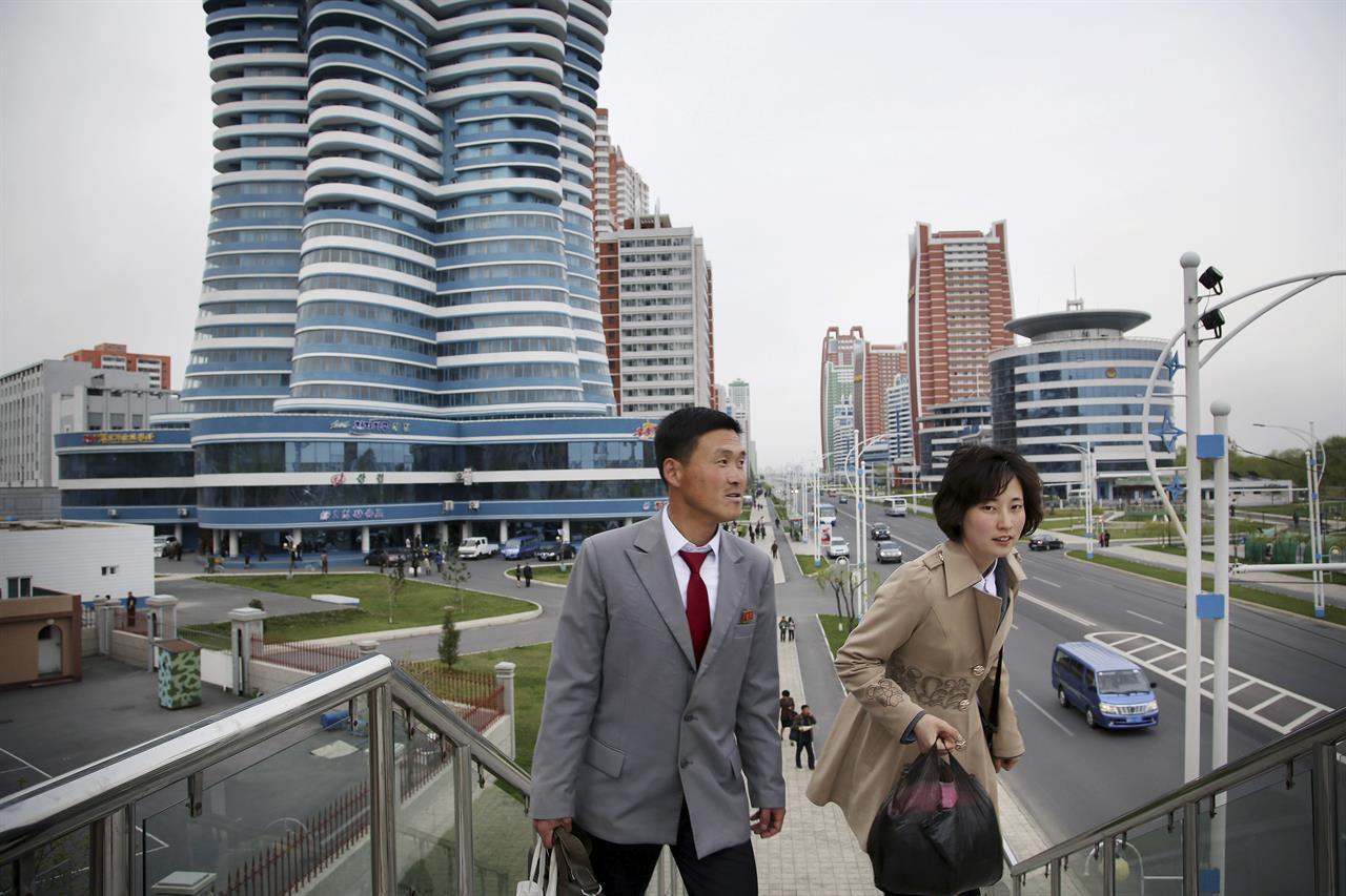 """Hé lộ bí mật những """"chợ trời"""" ở Bình Nhưỡng và cuộc sống chưa từng biết tới tại thủ đô Triều Tiên - Ảnh 3."""