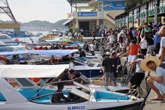 Thống số 1 giá tour đảo vịnh Nha Trang chính là 250.000 đồng/khách - Ảnh 1.