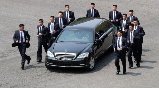 Khám phá dòng siêu xe mà ông Kim Jong Un có thể mang đến Việt Nam - Ảnh 7.