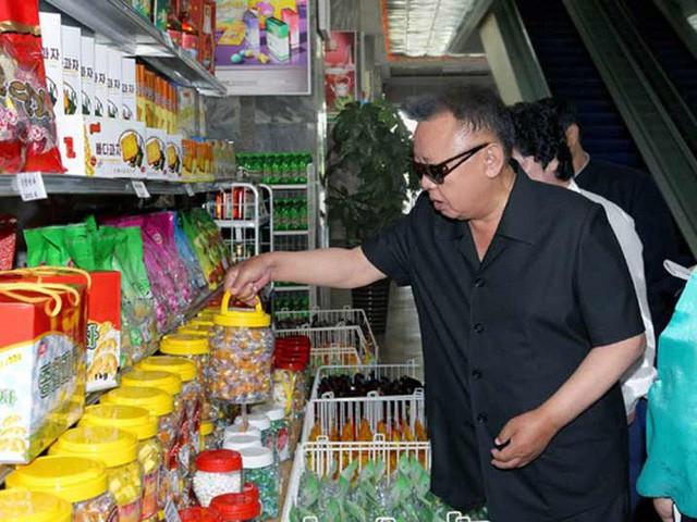 Có gì trong siêu thị đầu tiên ở thủ đô Bình Nhưỡng của Triều Tiên? - Ảnh 4.
