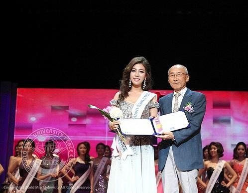 Nữ phóng viên Hàn gây sốt mạng xã hội Việt: Xinh đẹp tài năng, từng thi Hoa hậu - Ảnh 10.