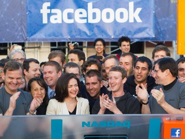 Hôm nay Facebook tròn 15 tuổi, cùng nhìn lại hành trình khó tin của Mark Zuckerberg: Từ cậu sinh viên bỏ học đến tỷ phú sở hữu MXH 'đông dân' nhất hành tinh - Ảnh 4.