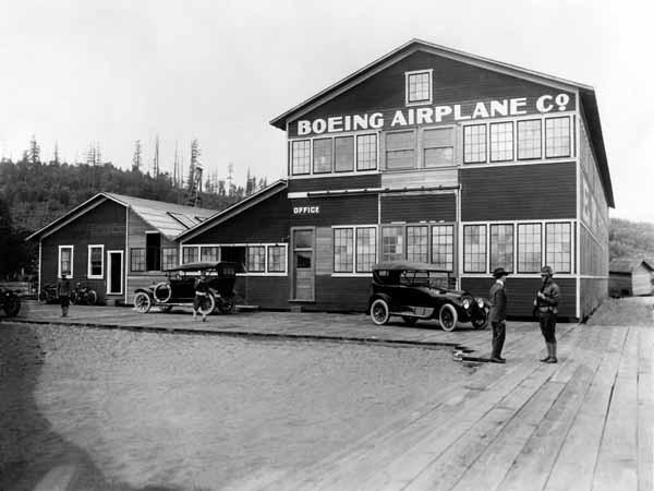 Chân dung cha đẻ hãng Boeing: Từ công tử con nhà giàu bỏ học đi buôn gỗ đến ông vua sản xuất máy bay lớn nhất thế giới - Ảnh 2.