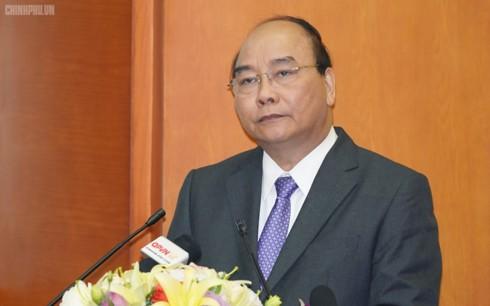 Thủ tướng: Giải quyết dứt điểm các vụ vi phạm đất quốc phòng - Ảnh 1.