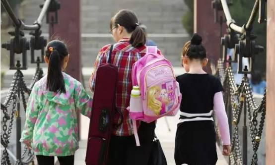 Chùm ảnh lột tả sự khắc nghiệt đến kinh hoàng về cuộc chiến học tập của học sinh các nước Châu Á - Ảnh 5.