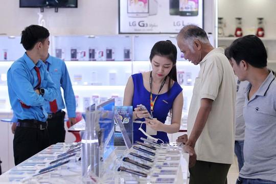 Kém thu hút, iPhone 8 ế ẩm, nhiều siêu thị ngưng kinh doanh - Ảnh 2.