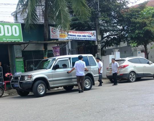 Chủ nhiệm Ủy ban Kiểm tra Quảng Bình nói gì về việc nhiều xe công dự tiệc cưới con mình? - Ảnh 2.