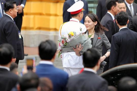 Cận cảnh những bóng hồng quyền lực trong đoàn Chủ tịch Kim Jong-un  - Ảnh 2.