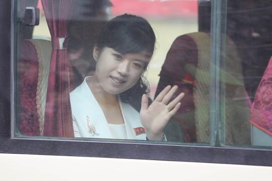 Cận cảnh những bóng hồng quyền lực trong đoàn Chủ tịch Kim Jong-un  - Ảnh 4.