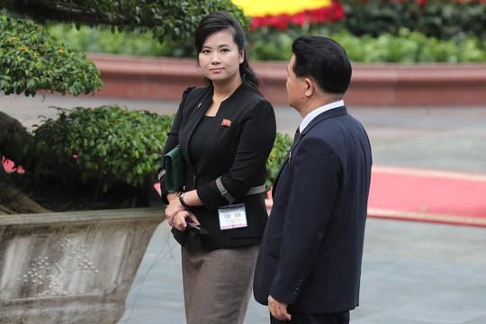 Cận cảnh những bóng hồng quyền lực trong đoàn Chủ tịch Kim Jong-un  - Ảnh 6.