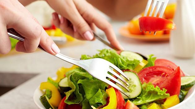 Người phụ nữ 26 tuổi bị ung thư: Bác sĩ cảnh báo có những phương pháp giảm cân ngàn vạn lần không nên lạm dụng - Ảnh 4.