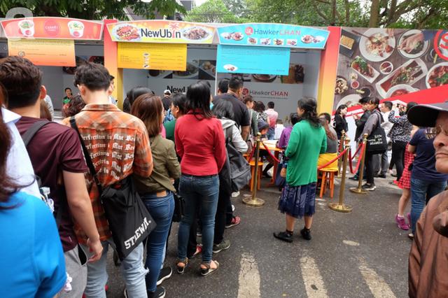 Quán ăn sao Michelin rẻ nhất thế giới đến Hà Nội: Giá chỉ 30 ngàn, khách xếp hàng dài trên phố Lê Thạch đợi mua - Ảnh 3.