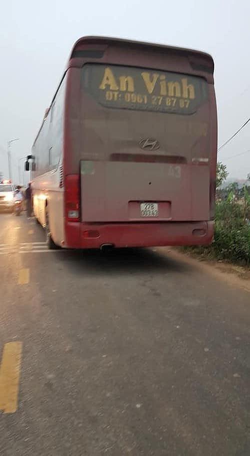 Hãi hùng hiện trường xe khách đâm chết ít nhất 7 người đi đưa tang ở Vĩnh Phúc - Ảnh 5.