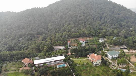 Chủ tịch Hà Nội yêu cầu cưỡng chế các công trình vi phạm đất rừng Sóc Sơn - Ảnh 1.
