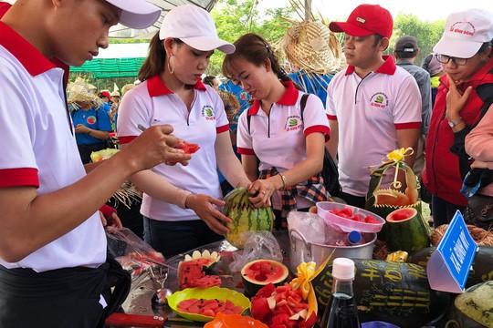 Đặc sắc Lễ hội dưa hấu lần đầu tiên ở Việt Nam  - Ảnh 5.