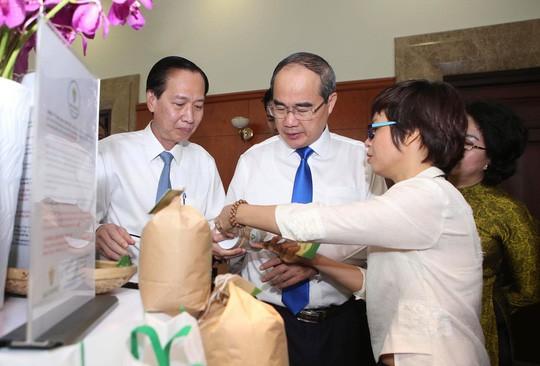 Chống hàng giả, hàng lậu để hàng Việt cạnh tranh sòng phẳng  - Ảnh 1.