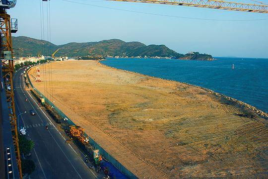 Bình Định từ chối đề xuất của DN lấn biển phân lô xây biệt thự - Ảnh 1.