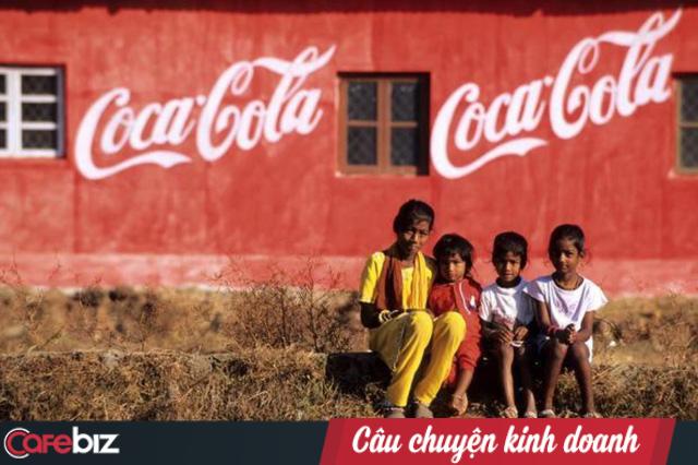 Mua đứt đối thủ, kết liễu nhãn hiệu nội địa: Coca-Cola 2 lần nuốt chửng thị trường Ấn Độ bất chấp sự hà khắc của chính phủ - Ảnh 1.