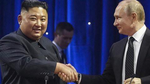 Những hình ảnh ấn tượng nhất tại Hội nghị thượng đỉnh Kim-Putin lần đầu tiên - Ảnh 13.