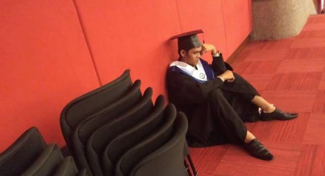 Cử nhân Philippines gục khóc trong ngày ra trường: 4 lần tốt nghiệp loại xuất sắc, bố mẹ không đến 1 lần nào - Ảnh 3.