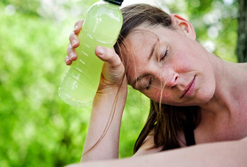 Những ngày nắng nóng, cơ thể bạn sẽ gặp phải vấn đề gì? - Ảnh 4.