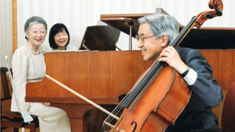 Những khoảnh khắc đáng nhớ của Nhật hoàng Akihito và hoàng hậu Michiko trước thời điểm chuyển giao lịch sử - Ảnh 8.