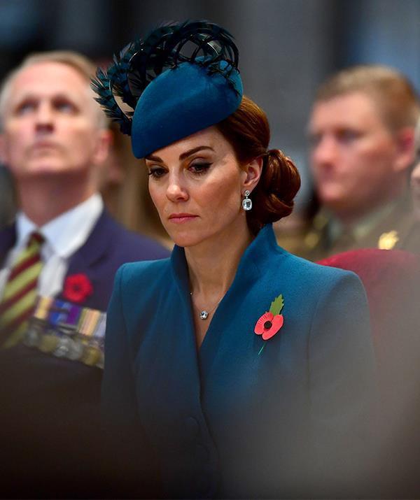 Cú sốc mới của Hoàng gia Anh: Công nương Kate rơi nước mắt vì bị em dâu Meghan cấm tiếp xúc với em bé Sussex - Ảnh 1.