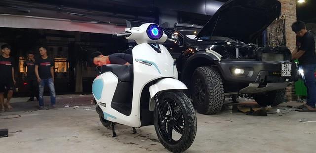 VinFast Klara đầu tiên Hà Nội độ khóa thông minh của Honda - Ảnh 3.