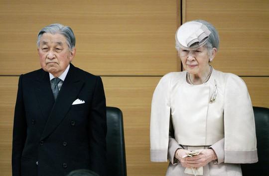 Hôm nay, 300 khách mời tham dự lễ thoái vị của Nhật hoàng Akihito  - Ảnh 1.