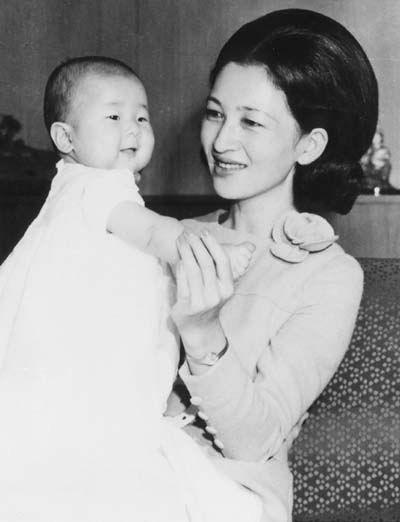 Công chúa Sayako: Chấp nhận từ bỏ cuộc sống cá chậu chim lồng trong cung điện chạy theo chàng trai mồ côi khiến nước Nhật nể phục - Ảnh 1.