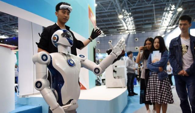 Chính phủ Singapore và chiến lược Chuyển đổi số cho 80% GDP: Thúc đẩy công ty lớn, miễn phí cho công ty vừa và nhỏ - Ảnh 2.