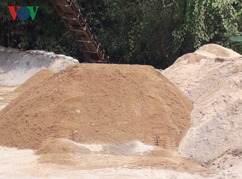 Thừa Thiên Huế: Thiếu hụt cát xây dựng, giá cát tăng cao - Ảnh 1.