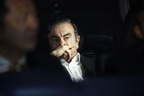 Cựu chủ tịch thất thế tố lãnh đạo cấp cao Nissan chơi trò bẩn thỉu - Ảnh 1.