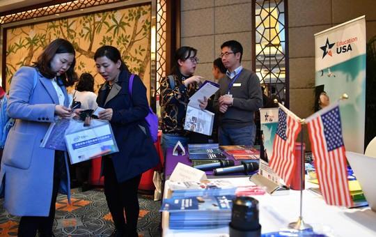 Nhà giàu Trung Quốc cũng dính bê bối tuyển sinh đại học ở Mỹ  - Ảnh 1.