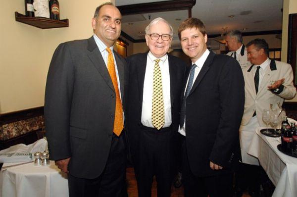Độc chiêu của tỷ phú huyền thoại Warren Buffett: Dùng một dòng tiêu đề trên báo để đưa ra quyết định đầu tư quan trọng! - Ảnh 3.