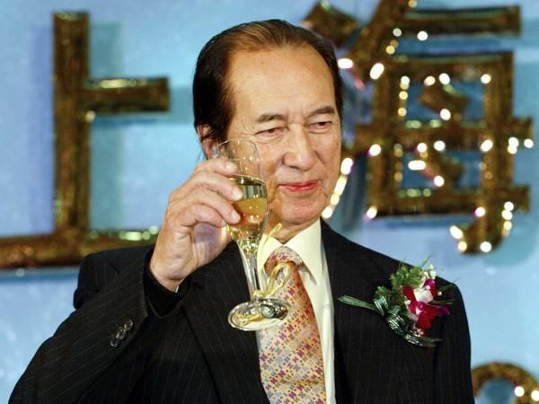 Vua sòng bài Macau 4 vợ 17 con và cuộc chiến tranh giành tài sản đầy khốc liệt - Ảnh 1.