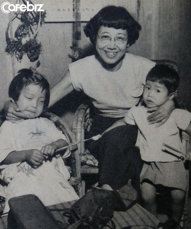 Cuộc đời rộn rã của phóng viên Tsuneko Sasamoto: 71 tuổi vẫn chăm chỉ làm việc, 86 tuổi miệt mài yêu đương, 102 tuổi gặt hái vinh quang vô tiền khoáng hậu - Ảnh 4.