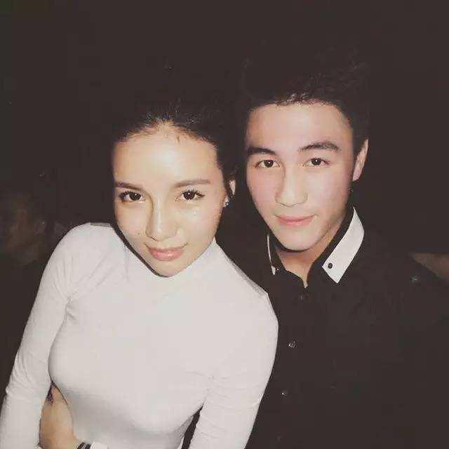 Đệ nhất thiếu gia Trung Quốc: Là con trai vua sòng bạc, thiên tài toán học, yêu thiên thần nội y Victorias Secret - Ảnh 7.